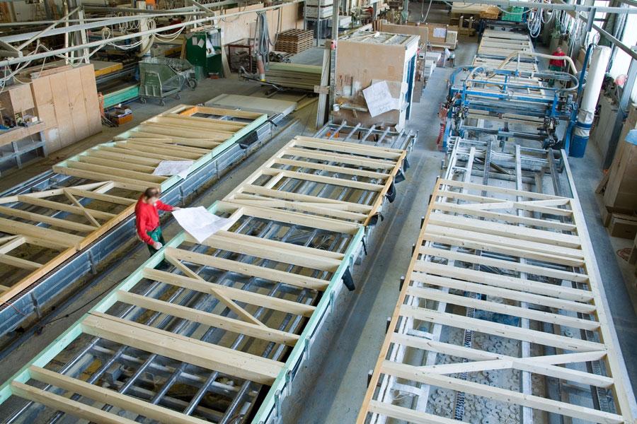 ceb26c87d94 Kasutame üksnes väga kvaliteetset massiivset ehituspuitu. Tänu 13 meetri  pikkusele kamberkuivatatud, hööveldatud ja sõrmjätkatud massiivpuidule  saame ...